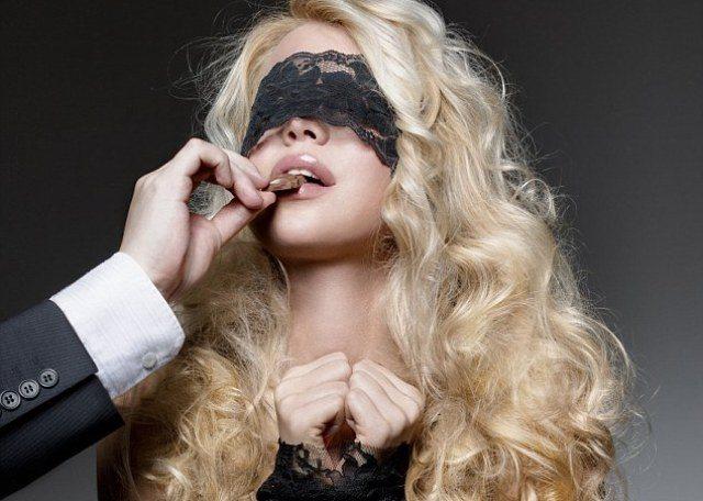 Donne desideri e fantasie a letto ecco la lista gossip news e cronaca - Fantasie delle donne a letto ...