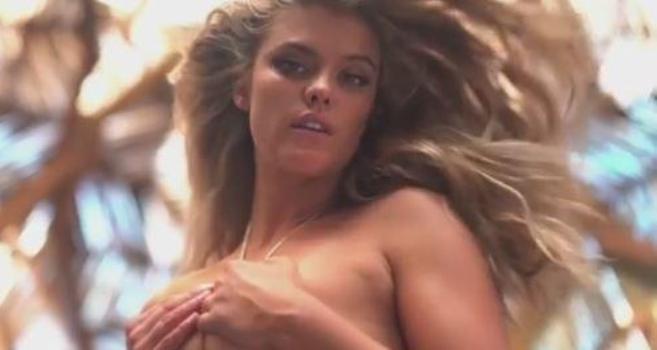 Nina Agdal, curve pericolose in copertina