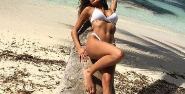 Cristina Buccino, foto calde dalla vacanza ai Caraibi