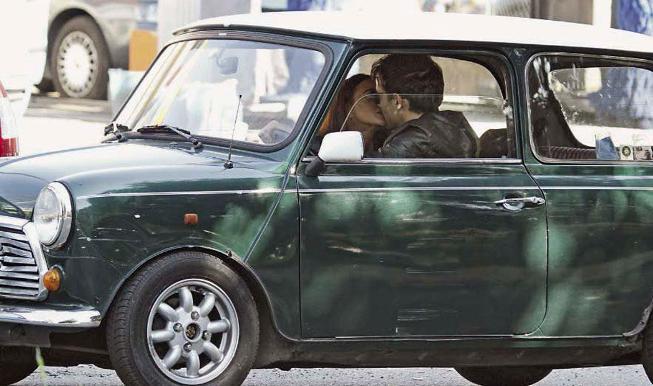 Primo Reggiani, bacio appassionato per dimenticare la Caracciolo