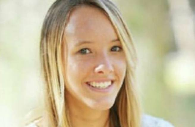 Squalo uccide 17enne surfista davanti a genitori e sorelline