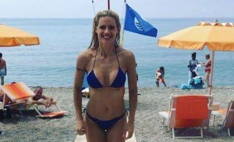 Michelle Hunziker, super bikini delizia i bagnanti di Varigotti