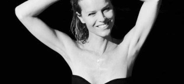 Eva Herzigova, senza push up 23 anni dopo è sempre un bel vedere